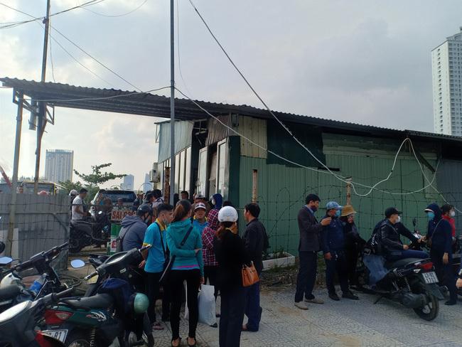 Hàng trăm tài xế, phụ xe buýt đình công 'vây' bến xe đòi trả lương