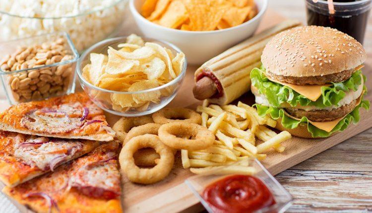 Tránh xa những thực phẩm này nếu bạn đang bị cao huyết áp