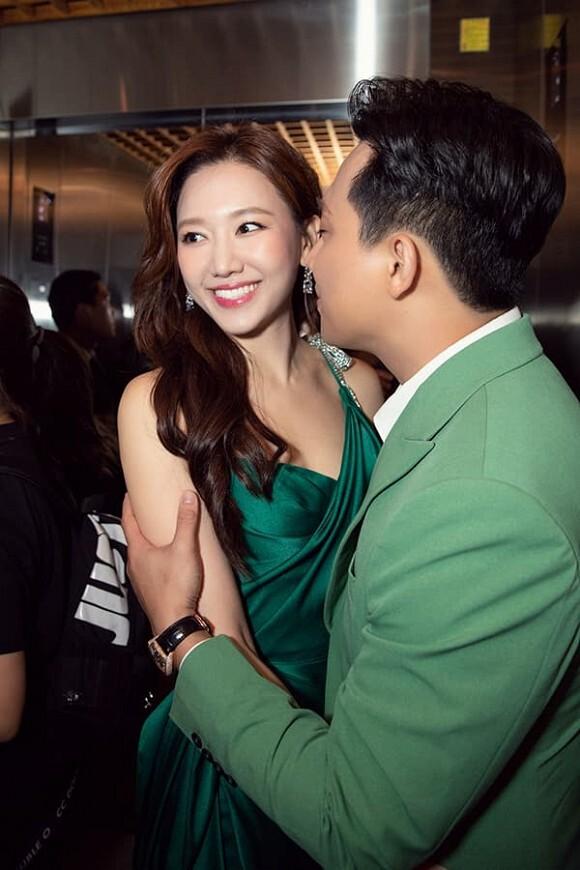Hari Won: 'Bên Trấn Thành, cuộc sống của tôi đầy ắp tiếng cười'