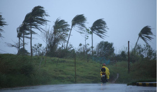 Philippines sơ tán hàng nghìn dân để tránh bão Vamco