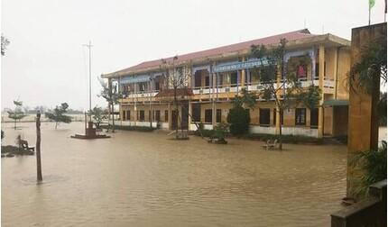 Thừa Thiên Huế khẩn cấp cho học sinh nghỉ học để ứng phó mưa lũ