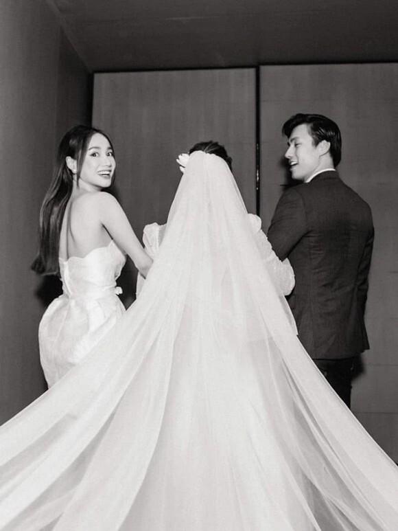 Nhã Phương đăng bức ảnh Nhan Phúc Vinh bí mật làm đám cưới khiến dân mạng hoảng hốt