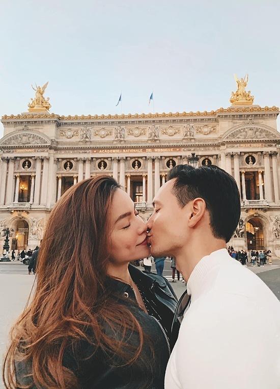 Hà Hồ thú nhận yêu Kim Lý vì quá đẹp trai