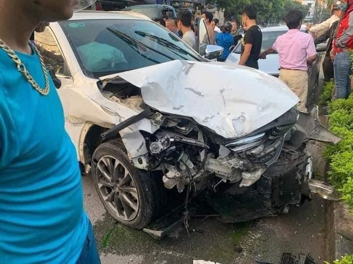 Trong lúc bị truy đuổi, ô tô bỏ chạy gặp tai nạn khiến 3 người thương vong