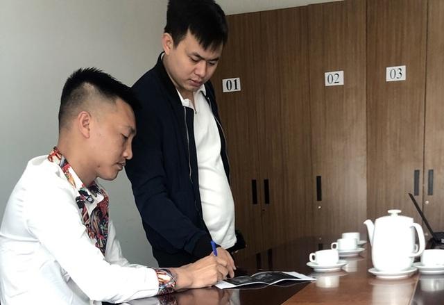 'Huấn Hoa Hồng' bị phạt 7,5 triệu đồng vì làm clip giả mạo bản tin VTV