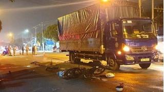 Tin tức tai nạn giao thông ngày 13/11: Va chạm với xe tải, bé gái 14 tuổi tử vong