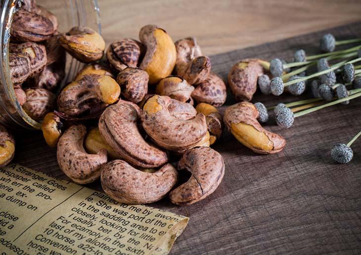 Những lưu ý khi ăn hạt điều để không gây hại cho sức khỏe