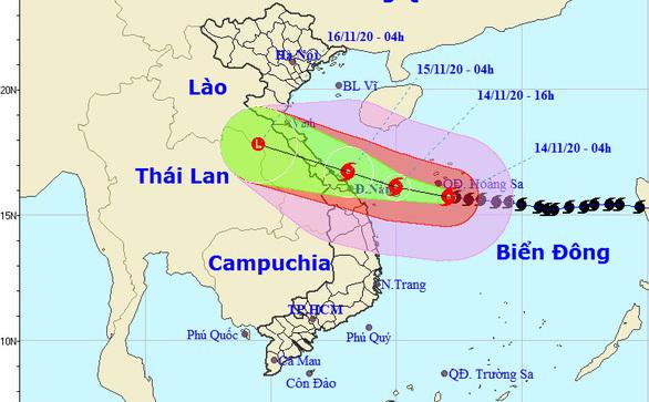 Bão số 13 cách Đà Nẵng 370km, biển dậy sóng lớn, gió mạnh trên đất liền