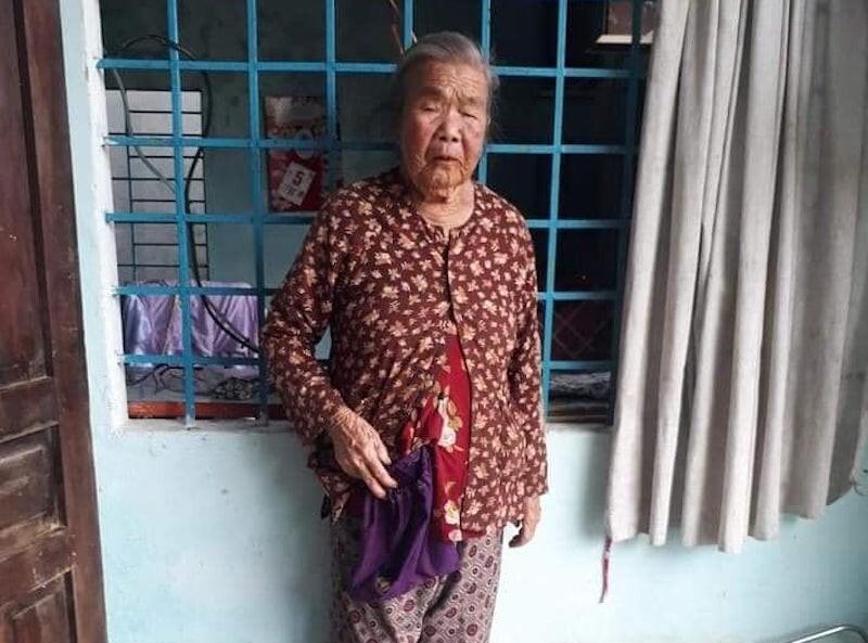 Bắt đối tượng mượn danh cứu trợ miền Trung, lấy trộm tiền và vàng của cụ bà 83 tuổi