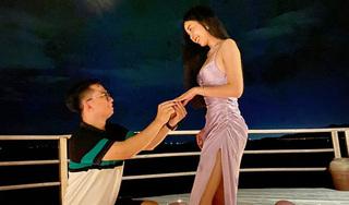 Á hậu Thúy An được bạn trai cầu hôn lãng mạn sau 3 năm hẹn hò