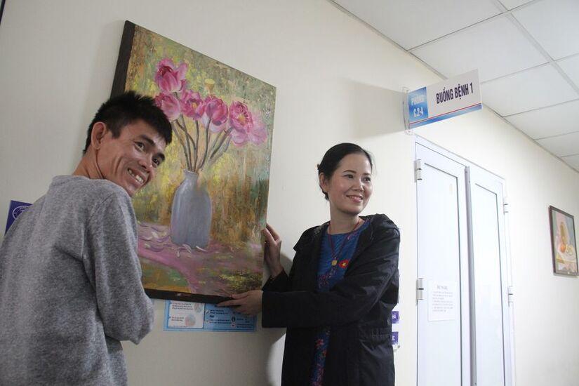 Xoa dịu nỗi đau cho bệnh nhân hiểm nghèo bằng tranh vẽ