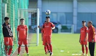 Ông Nguyễn Sỹ Hiển chê nhiều cầu thủ U22 Việt Nam 'đá như gà công nghiệp'