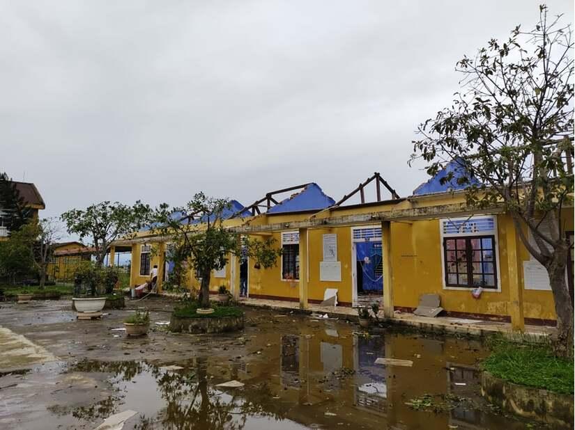 Nhiều trường học tại Quảng Bình và Thừa Thiên Huế hư hỏng nặng sau bão số 13.3