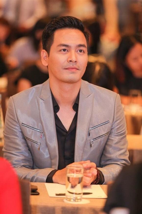 Bị kẻ xấu hack mất Fanpage và tống tiền, phản ứng của MC Phan Anh khiến nhiều người ngạc nhiên