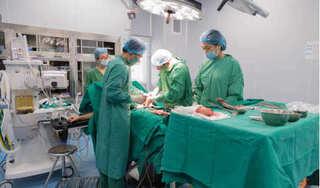 Mổ lấy thai kết hợp phẫu thuật u xơ tử cung cho sản phụ 37 tuổi