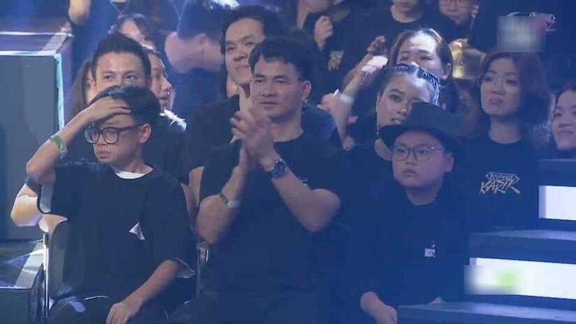 Con trai Xuân Bắc bật mí lý do Karik khóc trong đêm Chung kết 'Rap Việt' vì... đôi giày 10 nghìn đô
