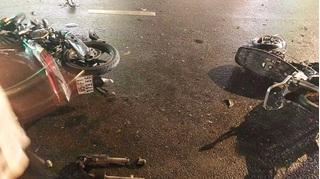 Tin tức giao thông: 2 xe máy đấu đầu, một người tử vong