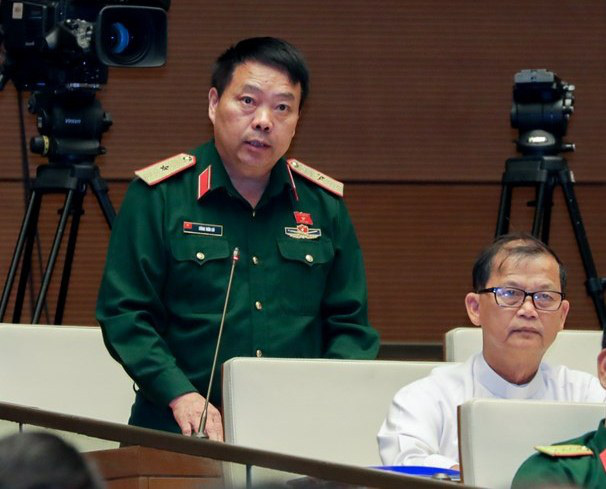 Đại biểu Quốc hội, Thiếu tướng Sùng Thìn Cò: 'Lực lượng công an chính quy giờ quá đông'