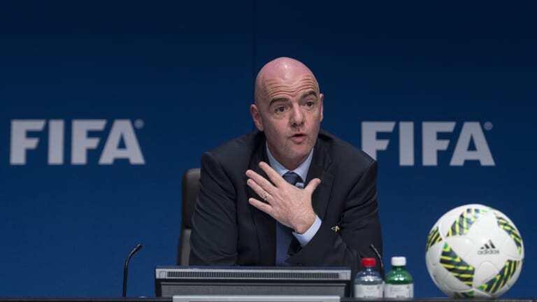 Chủ tịch FIFA chúc mừng tân vương V.League Viettel