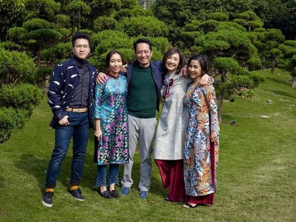 Diva Mỹ Linh tiết lộ con gái Anna Trương đã đính hôn với bạn trai sau 4 năm yêu