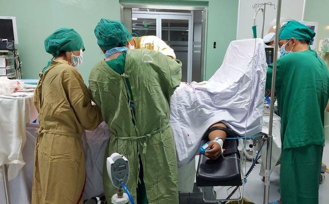 Mẹ con thai phụ nguy kịch do tiền sản giật nặng và phù phổi cấp