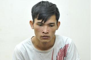 Kẻ đâm tài xế xe ôm hàng chục nhát dao bị khởi tố 2 tội danh