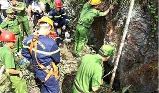 Chưa tìm thấy người đàn ông rơi xuống hang sâu 150m khi đi tìm vàng