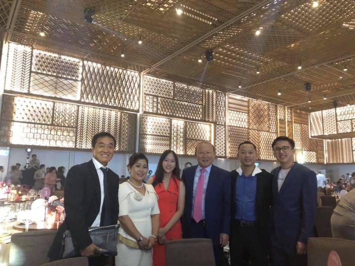 Hé lộ ảnh cưới lãng mạn cùng dàn khách mời khủng của đám cưới Công Phượng - Viên Minh