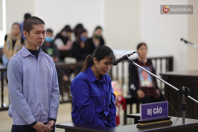 Vụ bạo hành bé 3 tuổi đến chết: Mẹ đẻ và cha dượng phản cung, chối tội, 'tố' ngược bà ngoại