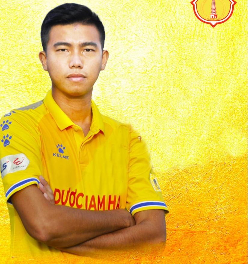 CLB DNH Nam Định thử việc trung vệ cao 1m83