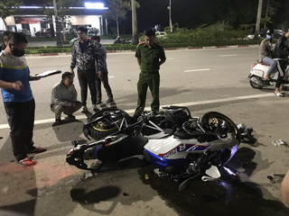 Mô tô phân khối lớn chạy tốc tốc độ cao gây tai nạn, 2 người tử vong