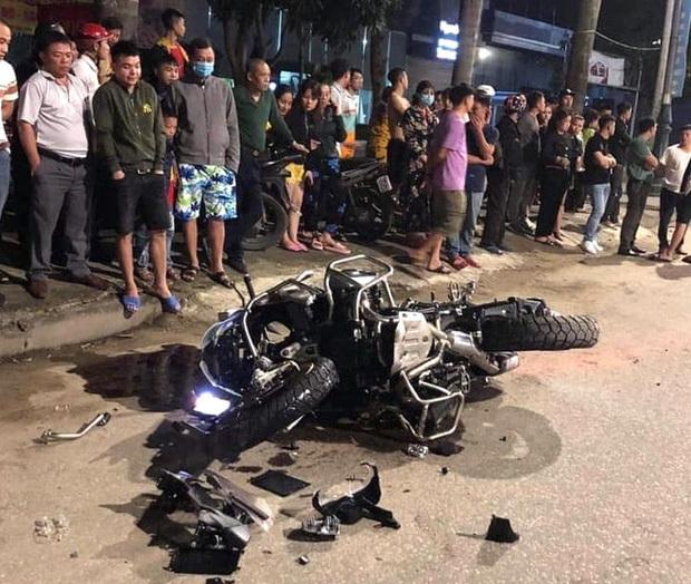 Ba mô tô phân khối lớn chạy tốc tốc độ cao gây tai nạn, 1 người chết