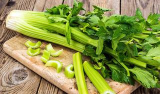 Những thực phẩm 'đại kỵ' với cần tây, chớ ăn kẻo rước bệnh vào người