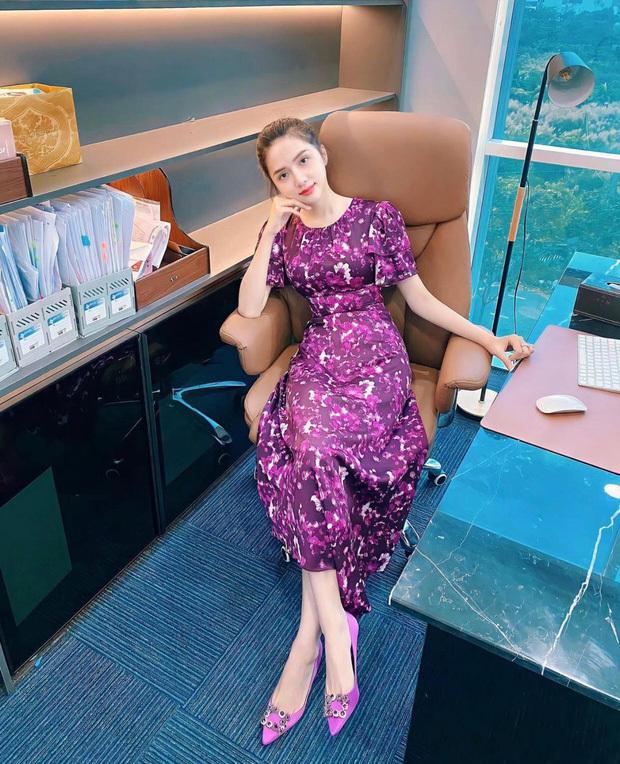 Hương Giang trở lại công việc với hình ảnh gầy gò, Hoà Minzy liền có động thái gây chú ý