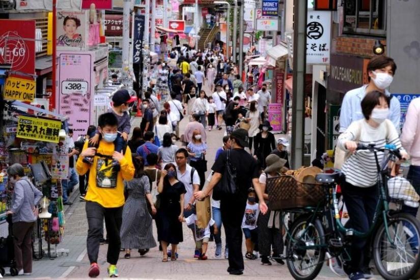 Nhật Bản nâng các biện pháp kiểm soát Covid-19 lên mức cao nhất