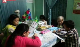 Cụ bà 91 tuổi 20 năm dạy học miễn phí cho học sinh nghèo