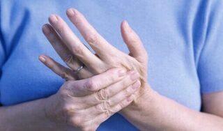 Cảnh báo bệnh viêm khớp từ triệu chứng này ở cổ chân, cổ tay