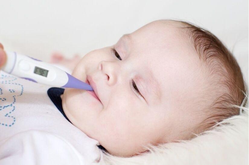 Sai lầm mà bố mẹ thường mắc phải khi hạ sốt cho trẻ em tại nhà