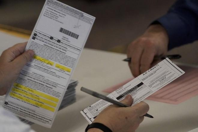 Bang Wisconsin bắt đầu kiểm phiếu lại theo yêu cầu của ông Trump