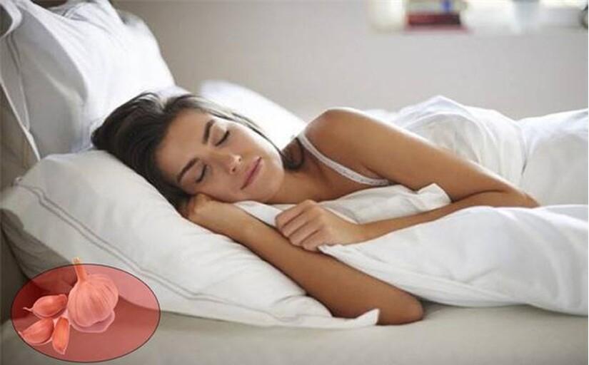 Đặt thứ này dưới gối trước khi ngủ giúp ổn định huyết áp, giảm đau nhức hiệu quả