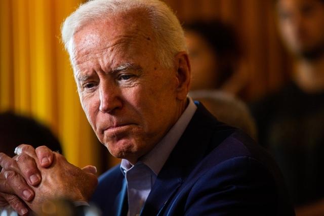Biden chỉ trích Trump và cảnh báo thêm 200.000 người Mỹ có thể chết vì Covid-19
