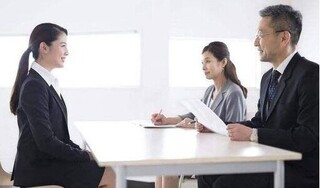 Yêu cầu bất ngờ của nhà tuyển dụng và bài học cho nữ sinh viên