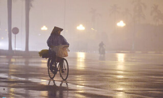 Sương mù bao phủ khắp Bắc Bộ, Nam Bộ mưa giông