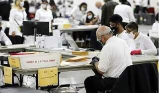 Đảng Cộng hòa đề nghị bang Michigan hoãn chứng nhận kết quả bầu cử 14, kiểm lại phiếu
