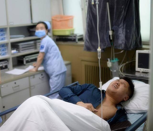 Loạt tai nạn phòng the khiến các cặp đôi đang mây mưa phải đến viện cấp cứu trong trạng thái đỏ mặt