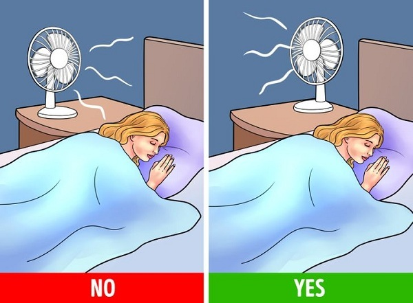 Vì sao không nên để quạt thốc vào người khi ngủ