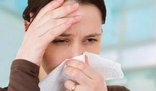 Viêm mũi dị ứng lúc giao mùa: Chuyên gia nói về dấu hiệu và cách điều trị
