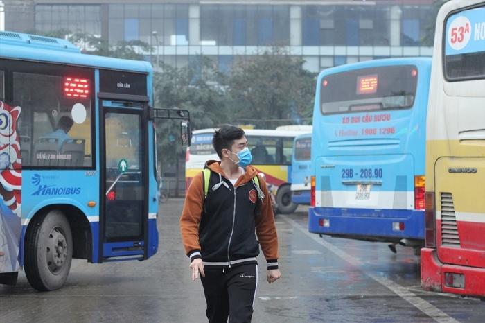 Xe buýt Hà Nội có nguy cơ phải tạm dừng chạy vì bị nợ tiền