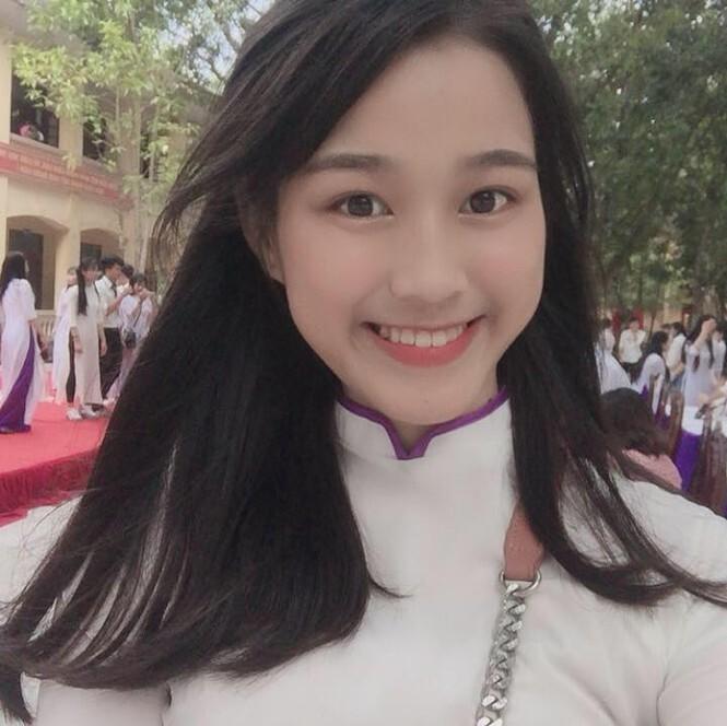 Loạt ảnh hiếm chứng mình 'dậy thì thành công' của Hoa hậu Đỗ Thị Hà