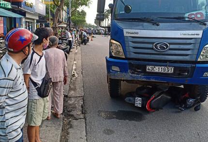 Tài xế vượt đèn đỏ tông cô gái tử vong: Vì vội chạy doanh số